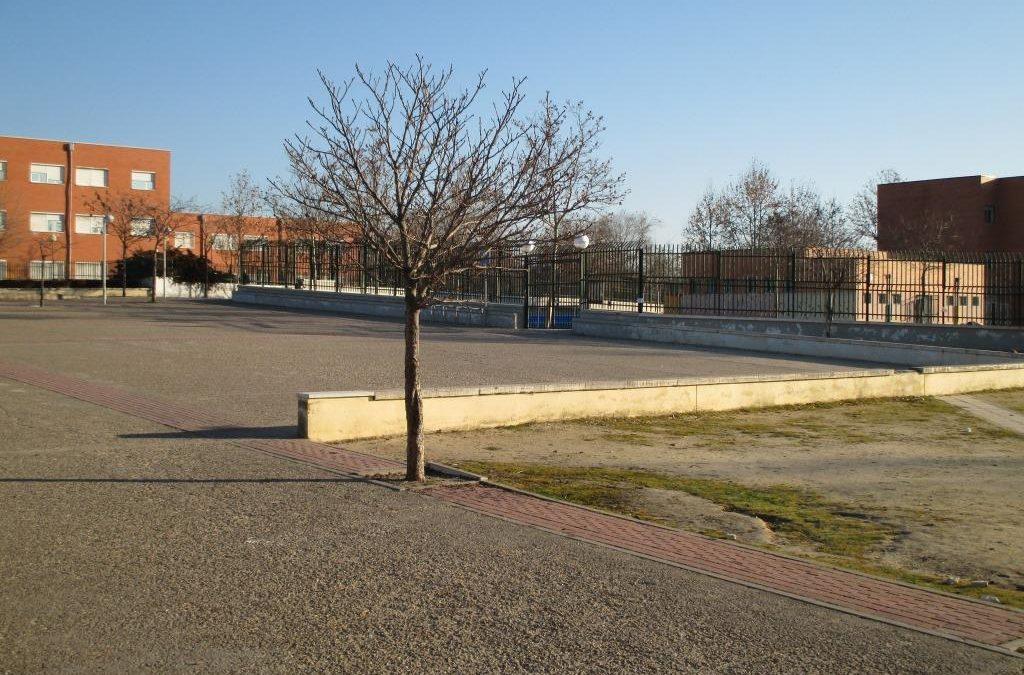 Remodelación de la plaza de acceso al Colegio Valdebernardo